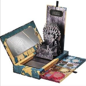 URBAN DECAY Game of Thrones Limited Edition Palate